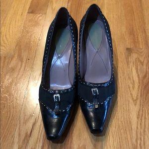 Liz Claiborne black heels with camel trim